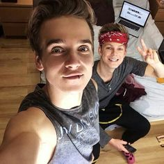 Joe Sugg and Caspar Lee trying to be Luke and Ashton from 5SOS