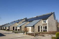 Duurzame rijtjes woningen: gebruik zonnepanelen, etc.