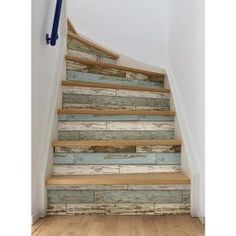 Green Old Salem Vintage Wood Planks Peel & Stick Wallpaper Foyers, Reclaimed Wood Wallpaper, Rustic Basement, Basement Stairs, Farmhouse Stairs, Farmhouse Décor, Basement Ideas, Barn Wood Decor, Rustic Barn