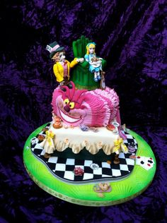Alice in wonderland clock cake with fondant figures Cakes Alice