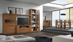 Ambiente 3960 - Conjunto de muebles de salón para la televisión, para albergar libros y para guardar objetos. La composición, que se presenta en dos alturas, está formada por varios muebles unidos entre sí para hacer una composición de muebles compacta, con una anchura total de 330 cm. Los muebles que forman la composición son un mueble buffet alto con dos puertas batientes, una puerta abatible, un cajón y una vitrina, un conjunto de módulos bajos que forman un mueble para la televisión.