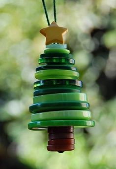 Σπίτι και κήπος διακόσμηση: 15 Δημιουργικές κατασκευές με κουμπιά για να κάνετε αυτά τα Χριστούγεννα