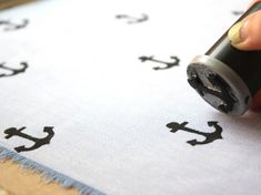 Father's Day DIY: Hand Stamped Handkerchief for Dad | papernstitch