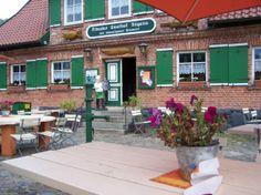 Zur Linde Rügens ältester Gasthof in Middelhagen (c) Frank Koebsch #wirsindinsel! #rügen