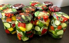 Sałatka z ogórków do słoików - Blog z apetytem Fresh Rolls, Sprouts, Vegetables, Cooking, Ethnic Recipes, Blog, Kitchens, Kitchen, Vegetable Recipes