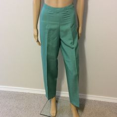 """Green ankle pants Perfect for all occasions, inseam is 28.5"""" , side zipper, waist is 13.5"""" across, rise is 11.5"""",, hips 21/22"""" across. 55% ramie & 45% rayon, these are NWOT Appraisal Pants Ankle & Cropped"""