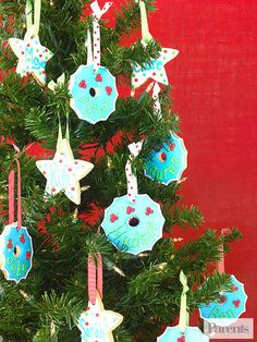 Get Into The Holiday Spirit: Christmas Crafts, Snacks, and Homemade Gifts