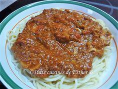 Les plats cuisinés de Esther B: Sauce spaghetti #1 de Sukie Sauce Bolognaise, Esther, Spaghetti Sauce, Bolognese, Sauce Recipes, Gravy, Sauces, Pizza, Recipes