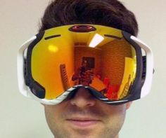 $650 Oakley Goggles Have GPS, Integrated Display