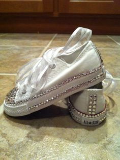 6223566838dc White FLOWER GIRL bling chuck taylor CONVERSE - OMG!!!!  Cindy Fitzgerald