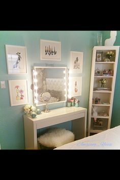 My Dream Beauty Room Planner for organization and décor Vanity Room, Vanity Decor, Vanity Ideas, Teen Vanity, My New Room, My Room, Rangement Makeup, Make Up Storage, Storage Bins