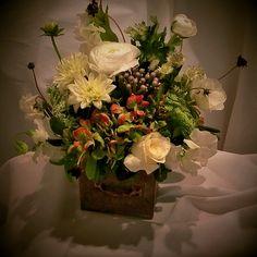 Scripts, Florals, Wedding Ideas, Table Decorations, Furniture, Home Decor, Homemade Home Decor, Flowers, Script Typeface