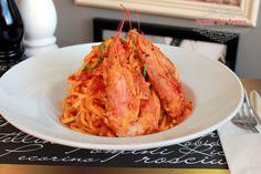 Spaghetti con Gamberi -  spaghetti με φρέσκο σάλτσα ντομάτας, γαρίδες, γαρνιρισμένο με μαιντανό