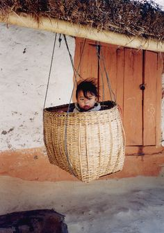 Baby in basket, Nepal Such a cutie! Basket and people . Basket in everyday life. And people basket in basket Kids Around The World, We Are The World, People Around The World, In This World, Around The Worlds, Beautiful World, Beautiful People, Mount Everest, World Cultures