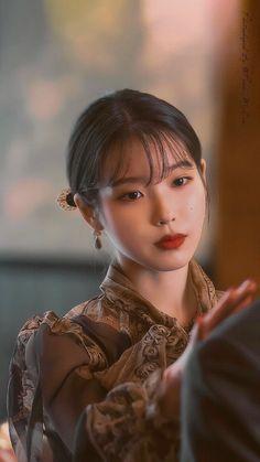 Image about iu in hotel del luna 🌙 by 🍒 on We Heart It Pretty Korean Girls, Cute Korean, Korean Actresses, Korean Actors, Korean Beauty, Asian Beauty, Iu Twitter, Luna Fashion, K Wallpaper