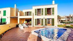 Lovely first line villa near Port Adriano