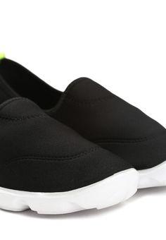 Czarne Buty Sportowe Malibu - born2be.pl Slip On, Sneakers, Clothes, Shoes, Fashion, Tennis, Outfits, Moda, Slippers