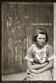 Valerie Lowe, 1922. Arrested for breaking and entering; jewelry theft.