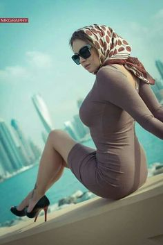 """Polina photographed by M.Khalil - """"Out of the Blue"""" Arab Girls Hijab, Girl Hijab, Muslim Girls, Beautiful Muslim Women, Beautiful Hijab, Hijab Jeans, Sexy Jeans, Supermodels, Legs"""