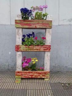 Plantero hecho con pallets, de pie o para colgar, a medida