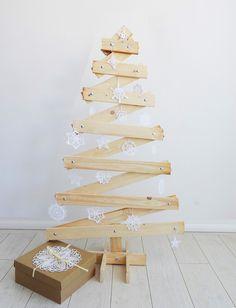 CHOINKA DREWNIANA- ZIG ZAG :) - Kolorum - Dekoracje bożonarodzeniowe Handmade Christmas, Christmas Crafts, Christmas Decorations, Holiday Decor, Jenga, Ideas Para, Entertaining, Gifts, Etsy