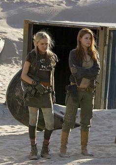 """Resident Evil: Extinction"" K-Mart & Claire Redfield."