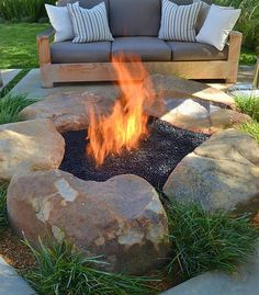 Backyard porch ideas on a budget patio makeover outdoor spaces inspirational diy inspiring fire pit designs budgeting backyard and gardens - Savvy Ways About Things Can Teach Us Diy Fire Pit, Fire Pit Backyard, Backyard Camping, Outdoor Camping, Backyard Patio Designs, Backyard Landscaping, Backyard Ideas, Firepit Ideas, Landscaping Ideas