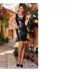 Rochie din piele care se muleaza pe corp si va pune in evidenta formele. Doar 239 ron, disponibila in patru marimi! http://moutlet.ro/ro/home/1467-rochie-neagra-.html