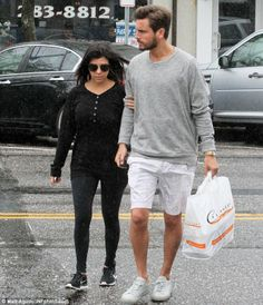 5 June 2014. Pregnant Kourtney K and Scott Disick Grab Lunch in the Hamptons. #kardashian #jenner