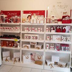 Les coffrets de Noël Guinot sont arrivés 💛 #guinot #france #noël #fete #aixenpro Calendar, France, Decoration, Holiday Decor, Instagram, Home Decor, Box Sets, Business, Decor