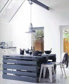 Decorating , DIY Wood Pallet – 20 Creative Furniture Idea : Island Kitchen Made From Wood Pallets #kitchen #decor #diy