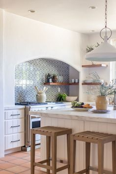 Spanish Bungalow, Modern Bungalow, Spanish House, Bungalow Kitchen, Bungalow Decor, Bungalow Interiors, Spanish Style Interiors, Spanish Style Homes, Spanish Home Decor