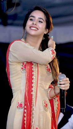 RadhikAnurag ❤️ Punjabi Girls, Punjabi Dress, Punjabi Suits, Salwar Suits, Beautiful Suit, Beautiful Girl Image, Gorgeous Women, Patiala Suit Designs, Punjabi Models