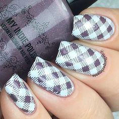 💅🏻💅🏻💅🏻 @myindiepolish Sequoia @bornprettystore white stamping polish + clear jelly stamper @linanailartsupplies Dress your nails 01 (use coupon code NailExp15OFF to save 15% off your next order) @glistenandglow1 Topcoat #nailexperiments #myindiepolish #bornprettystore #linanailartsupplies #dressyournails01 #glistenandglow #nails #nails2inspire #nails4yummies #notd #nailsofinstagram #nailstamping #nailswag #nailsdid #nailstagram #nailart #naildesign #plaid #pattern