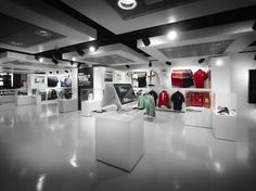 Sports Store | Retail Design | Shop Interior | Sports Display | Sports retailer Kitbag pop-up store by Manchester's Photolink Creative Group