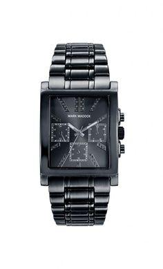 Se el centro de atención con Mark Maddox. Reloj multifunción brazalete IP gris, con esfera negra y cierre desplegable. Cristal mineral. Impermeable 10m (1ATM)