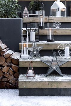 Glacier | Christmas Inspiration | Outdoor Living | Creative a charming, festive space outdoors with stylish lanterns!