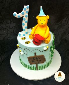 Winnie the Pooh Birthday Cake Birthday Party Themes, Birthday Cake, Winnie The Pooh Birthday, Cupcake Shops, Character Cakes, Cartoon Characters, First Birthdays, Bakery, Parties