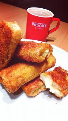 Τραγανά τυροπιτάκια με ψωμί τοστ !!! ~ ΜΑΓΕΙΡΙΚΗ ΚΑΙ ΣΥΝΤΑΓΕΣ 2 Cookbook Recipes, Cooking Recipes, Pizza Tarts, French Toast, Deserts, Pie, Breakfast, Food, Pinkie Pie
