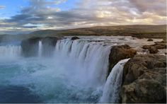 The World Most Beautiful Waterfalls Iceland Wallpaper, Nature Wallpaper, Wallpaper Backgrounds, Desktop Wallpapers, Dual Monitor Wallpaper, Active Wallpaper, Iceland Waterfalls, Desktop Background Images, Beautiful Places To Travel