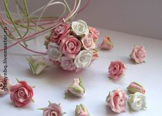 Tutorial on how to make polymer clay rose beads by talented EEvgenievna. Instructions in Russian but easy to follow photos.