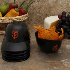 San Francisco Giants 6-Pack Snack Helmets