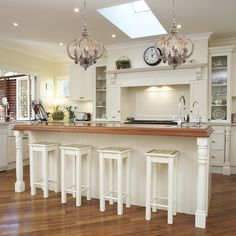 White Distressed Painted 6 Light Chandelier