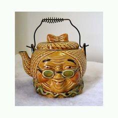 Jonathan Winters Tea Pot