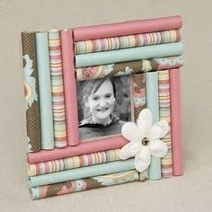 The Best DIY and Decor: Do it yourself gift wrap photo frame!