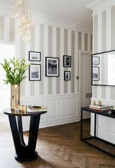 Ideen rund ums Haus wallpaper hallway ideas on beige stripes beautiful interior vase as decoration S Grey Wallpaper Hallway, Room Wallpaper, Wallpaper Wallpapers, Hallway Walls, Hallway Ideas, Corridor Ideas, Ikea Hallway, Striped Walls, Hallway Decorating