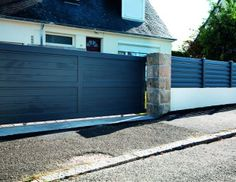 Portail PVC et clôture assortie CARDIN STORES ET FERMETURES