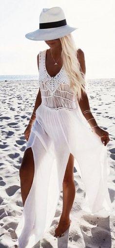 Maxi beach dress + white hat