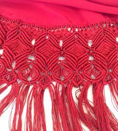 Fleco de macramé, con hilo de seda, de Fina Bernal