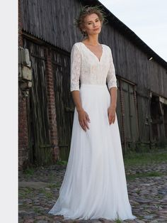 We mainly produce boho and classic style, but are very open to the needs of our customers. We make custom made of very high quality fabrics and lace. Vintage Stil, Bridal Dresses, Classic Style, Daisy, Lace, Collection, Wedding Ideas, Fashion, Bride Groom Dress